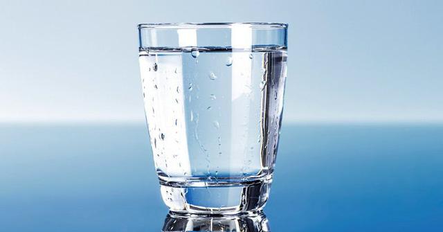 Nếu không uống đủ nước, dân văn phòng sẽ làm hại chính bản thân mình