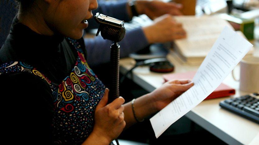 Việc làm sinh viên: Kiếm tiền từ việc thu âm giọng nói