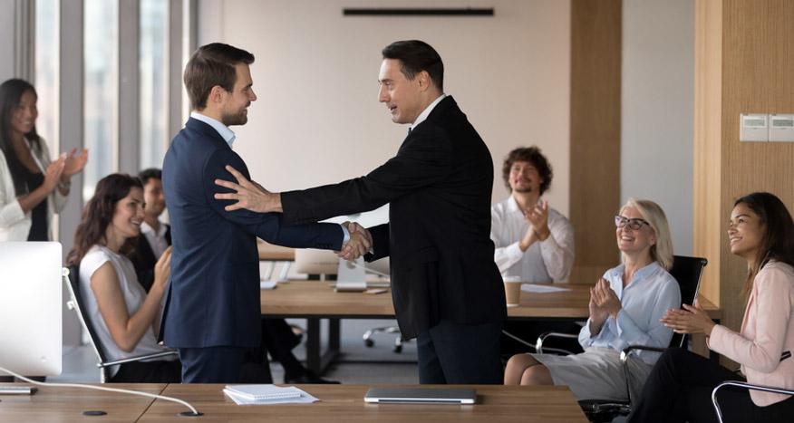 sự khác biệt giữa CEO và chủ tịch HĐQT