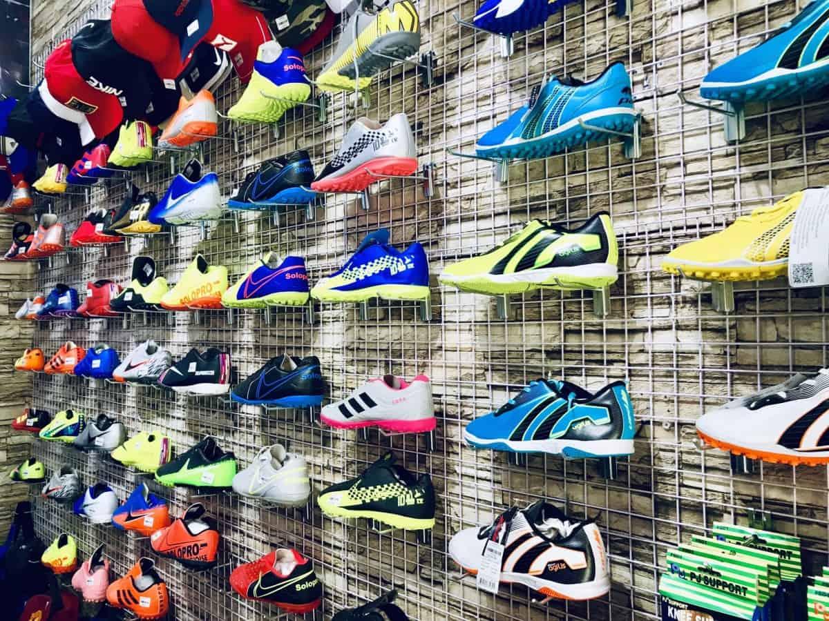 KiwiSport - Nơi quy tụ nhiều giày thể thao, phụ kiện thể thao đẹp